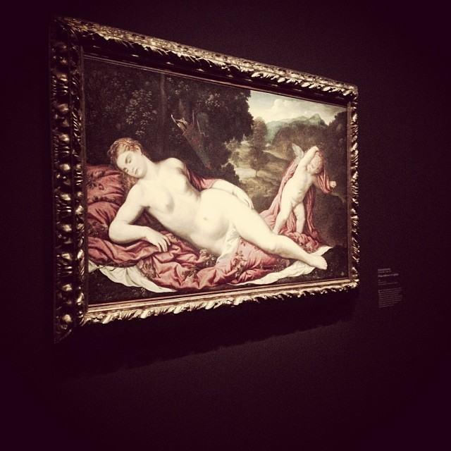 Pâris Bordone, Vénus endormie et Cupidon. Peinture sur toile, 86 x 137 cm. Venise, collection G. Franchetti à la Cà d'Oro.