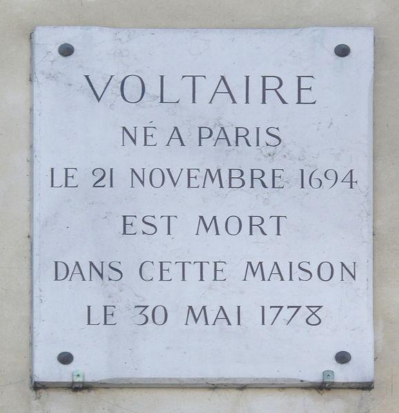 578px-Plaque_Voltaire,_27_quai_Voltaire,_Paris_7_(2)