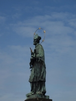 saint Jean Népomucène (la plus ancienne statue du pont Charles)