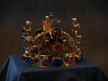 réplique (navrante) de la couronne