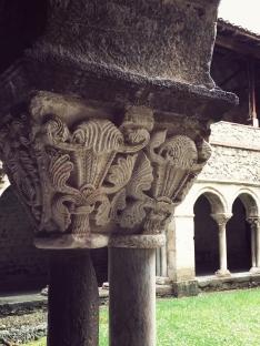 Le cloître - colonne