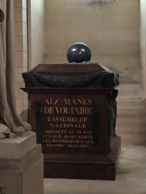 Tombeau de Voltaire