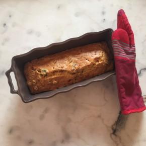 Cake aux olives, jambon etnoisettes