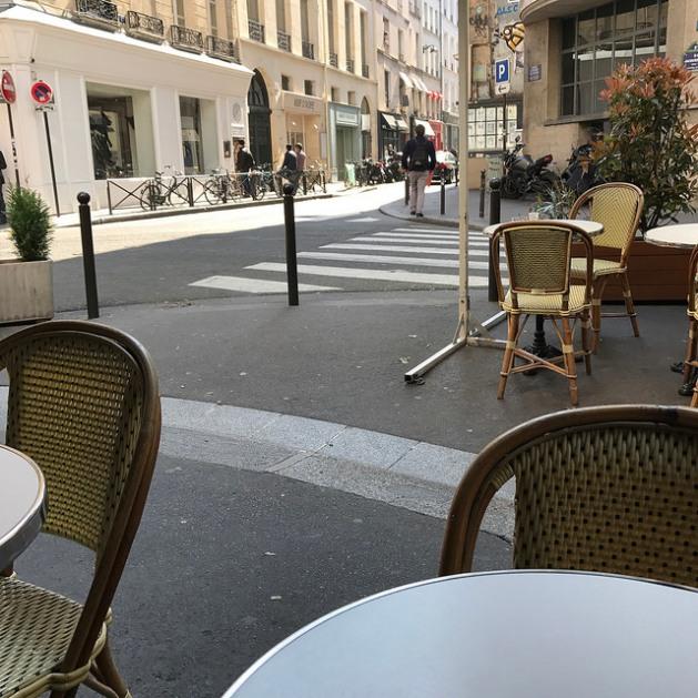 Un café en terrasse