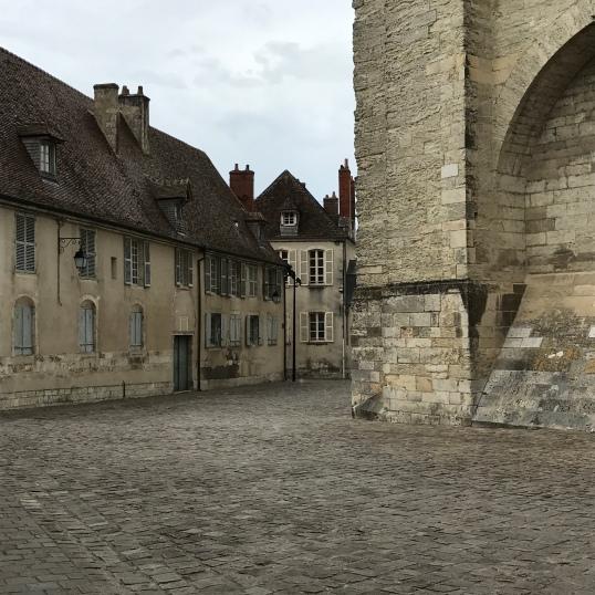 Place Etienne Dollet