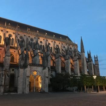 Cathédrale Saint-Etienne - extérieur nuit