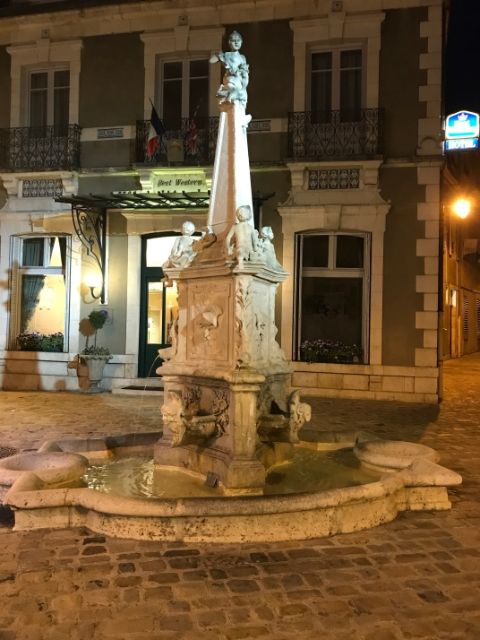 Bourges - extérieur nuit