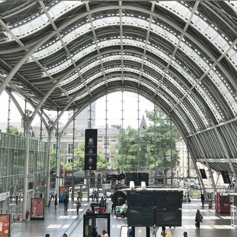Gare... espace métaphorique du passage