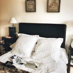 Mon lit, mon deuxième bureau (avec de beaux draps blancs)