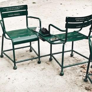 Les chaises poétiques du Palais Royal