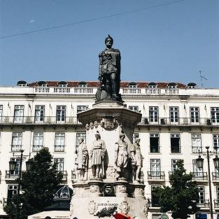 Statue de Camoes