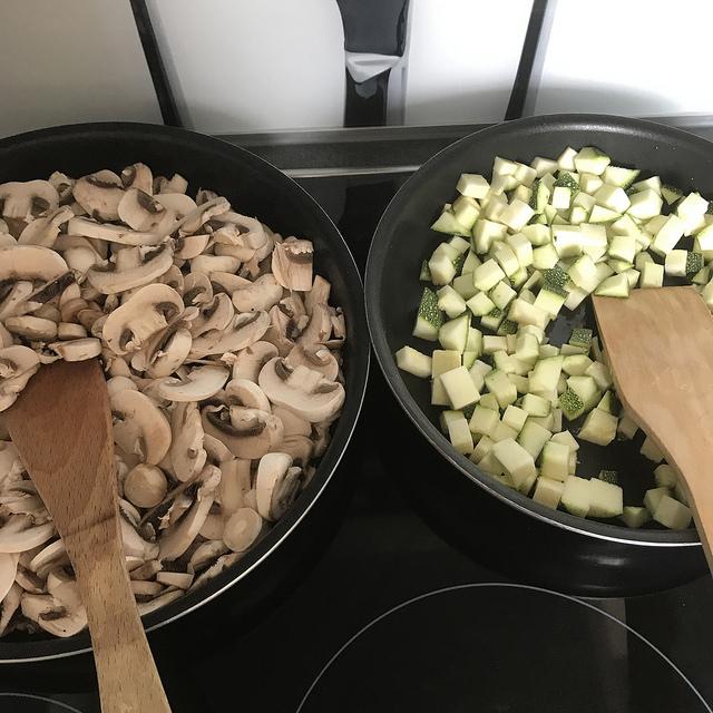 Flan aux champignons et aux courgettes