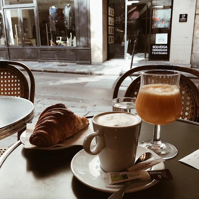 Les Philosophes - petit déjeuner
