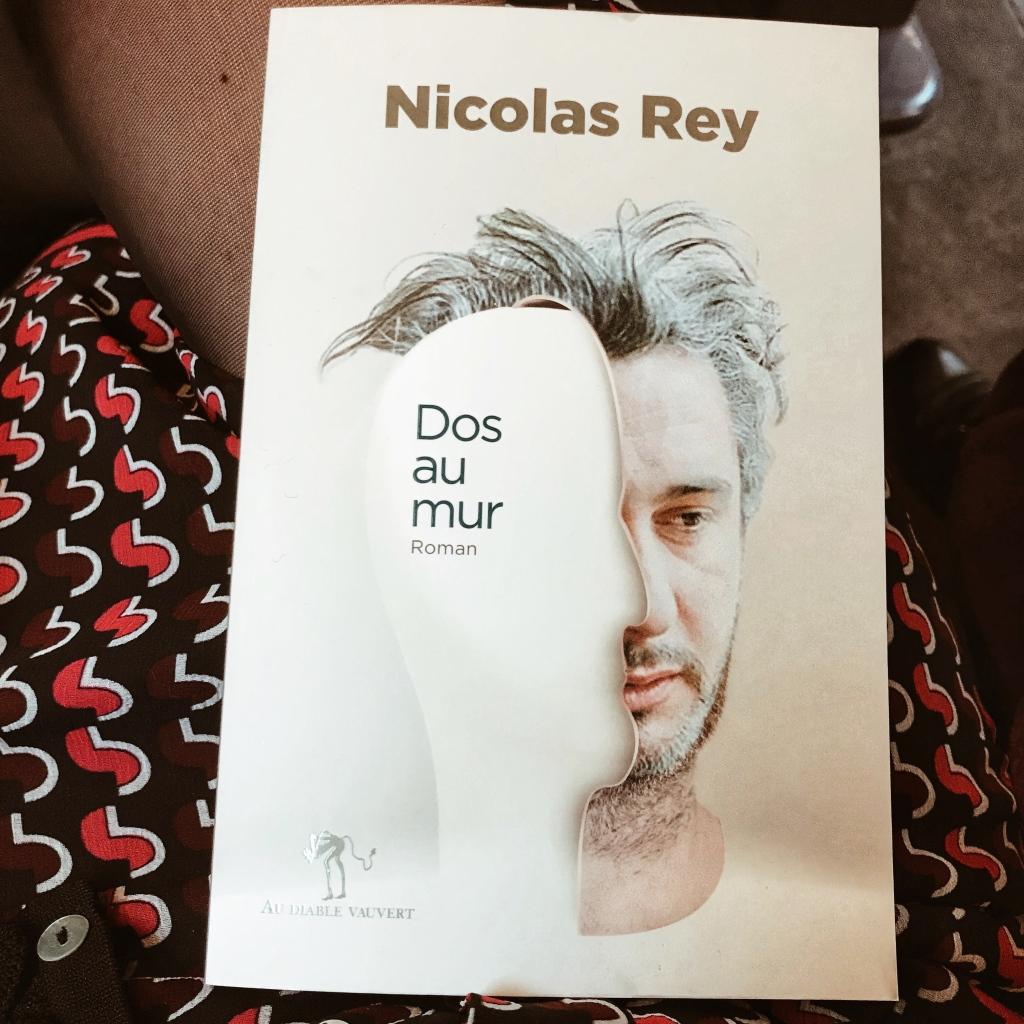 Dos au mur, de Nicolas Rey