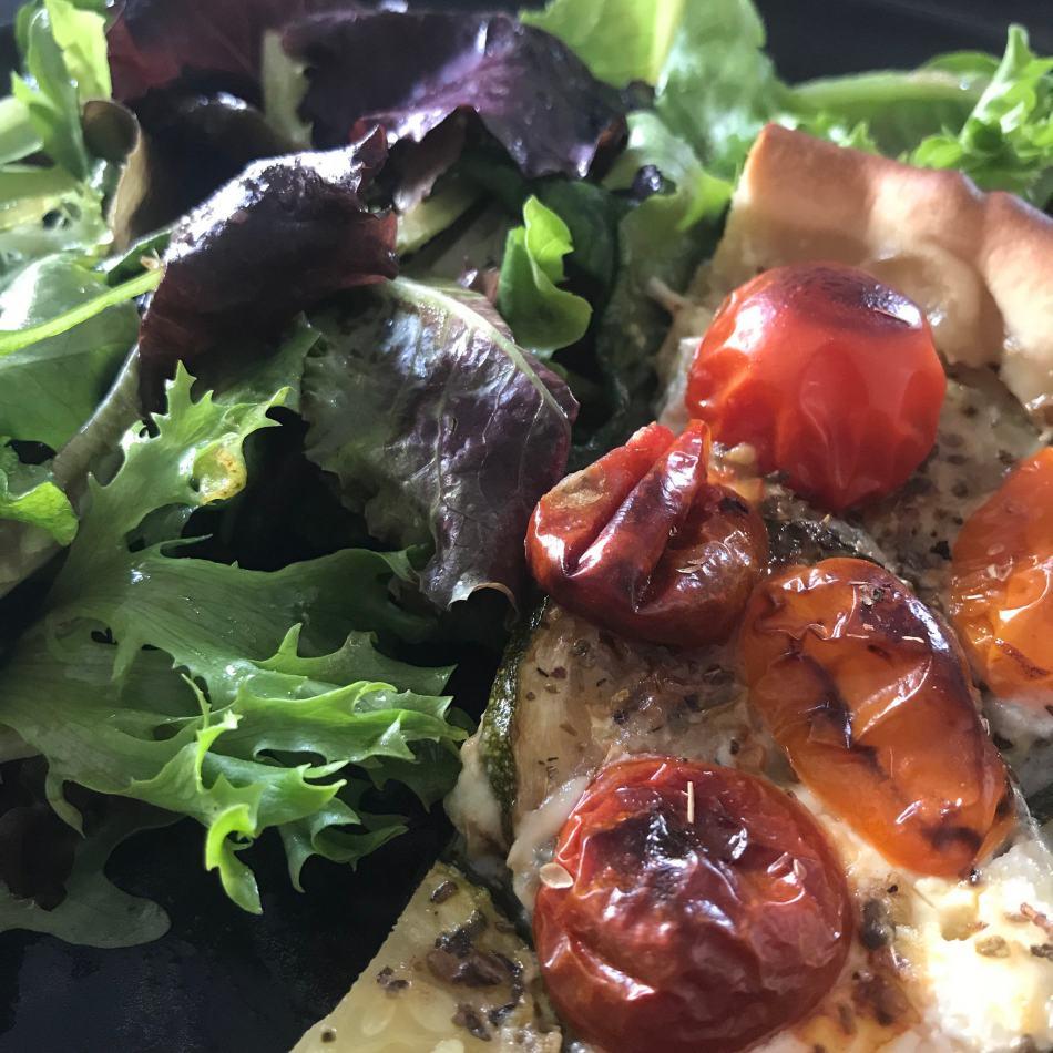 Tarte d'été courgettes, tomates, chèvre