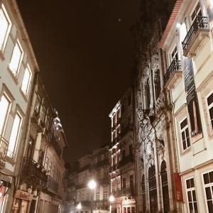 Ruelle by night