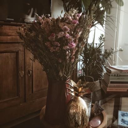 Un bouquet de fleurs sèches