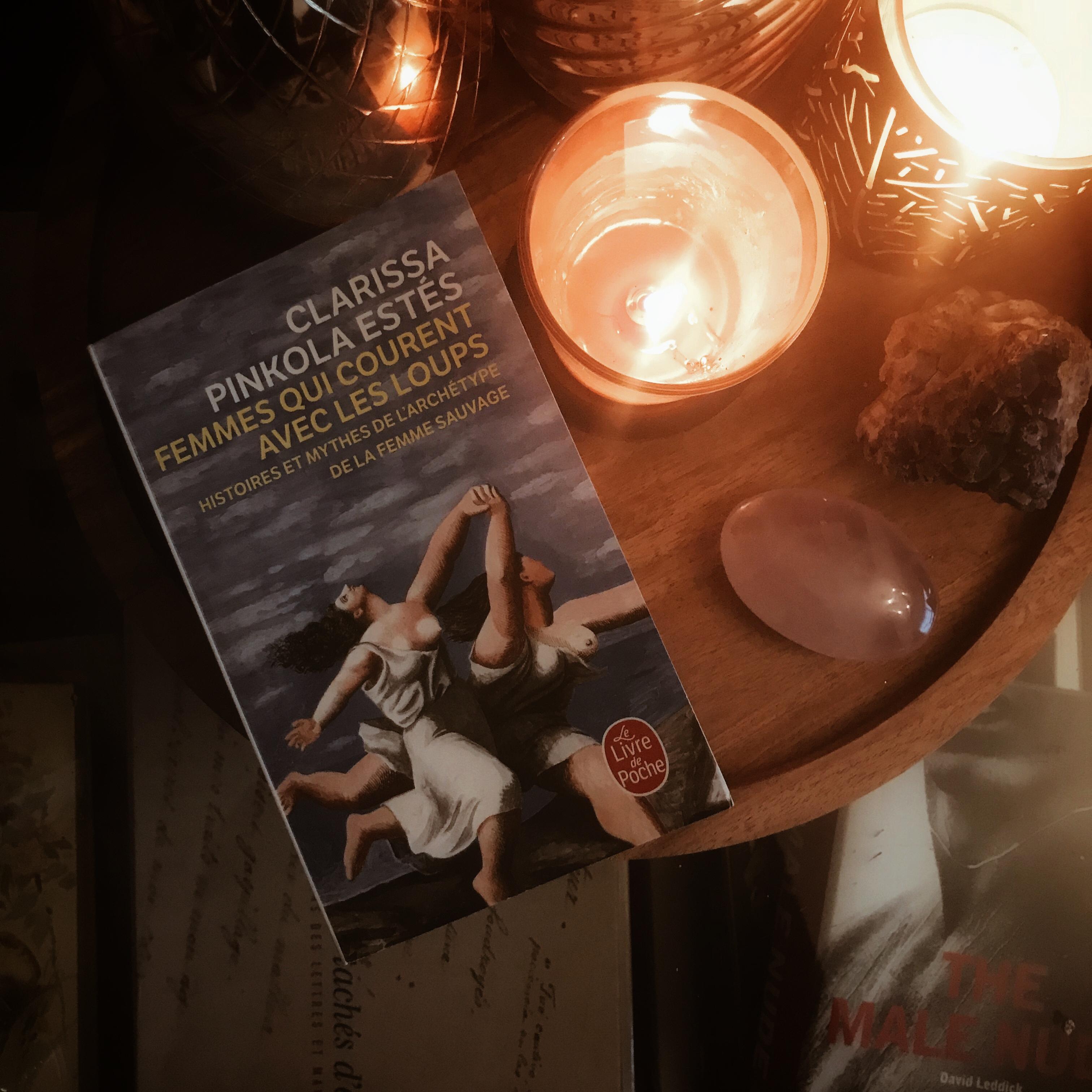 Femmes qui courent avec les loups, de Clarissa Pinkola Estés : à la poursuite du féminin sauvage