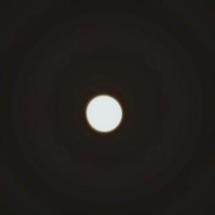 La lune ronde et pleine