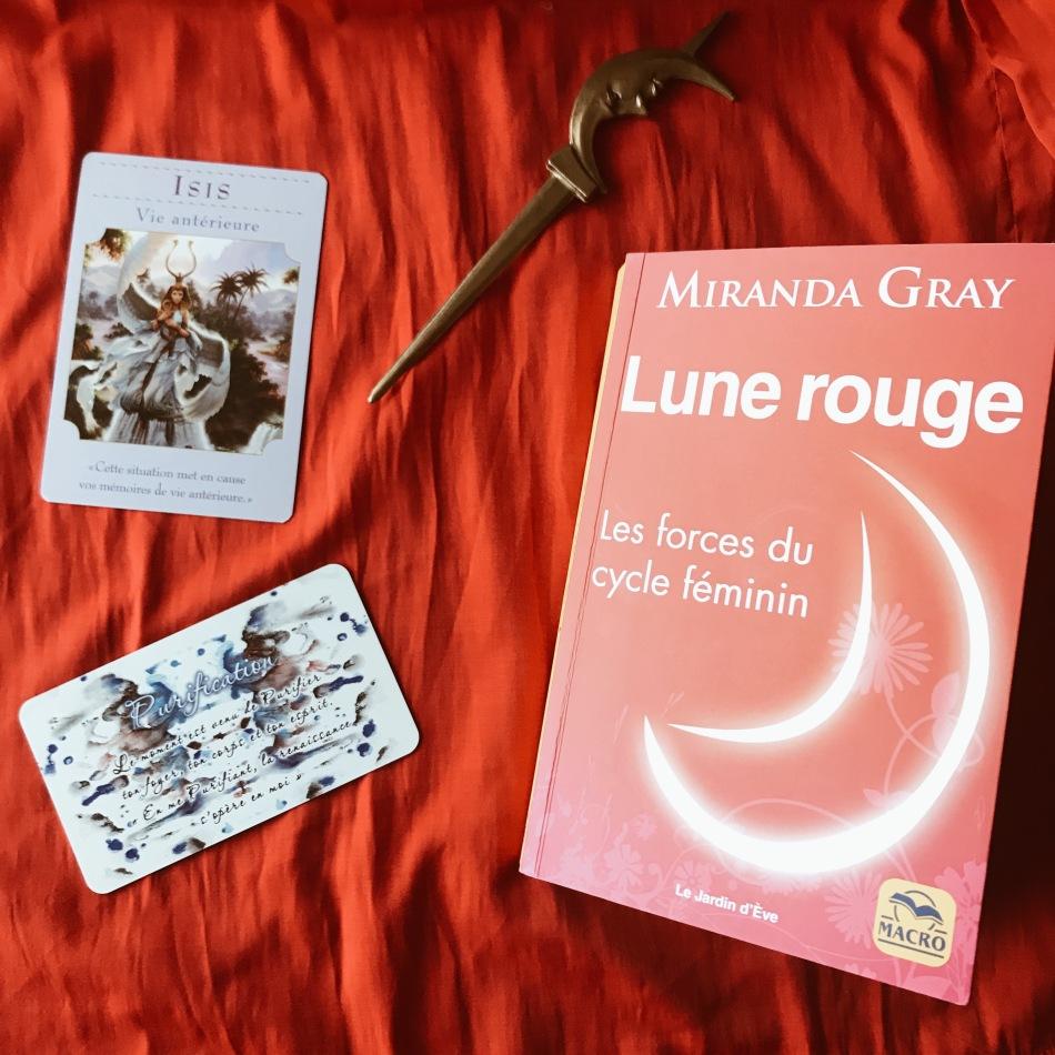 Lune Rouge, les forces du cycle féminin de Miranda Gray : la reconquête de soi