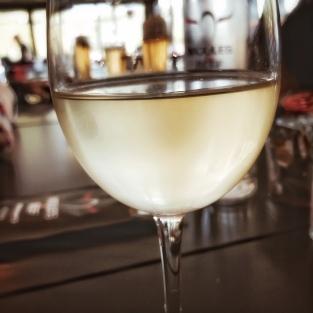 Une journée au Cap-Ferret (ce verre n'a pas été bu : je l'ai renversé ! Mais le restaurant m'en a offert un autre)