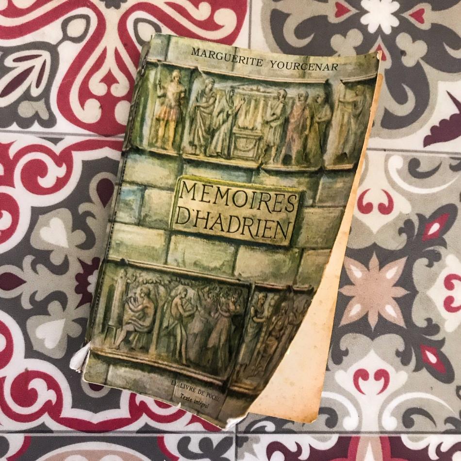 Mémoires d'Hadrien, de Marguerite Yourcenar : méditations sur le bord de la tombe