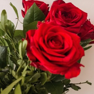Un bouquet de roses rouges