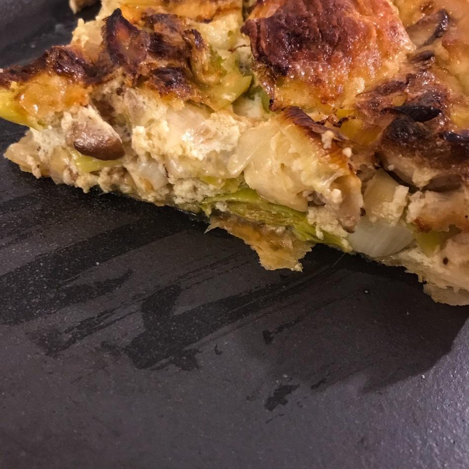 Tarte salée au poireau, champignons et chèvre