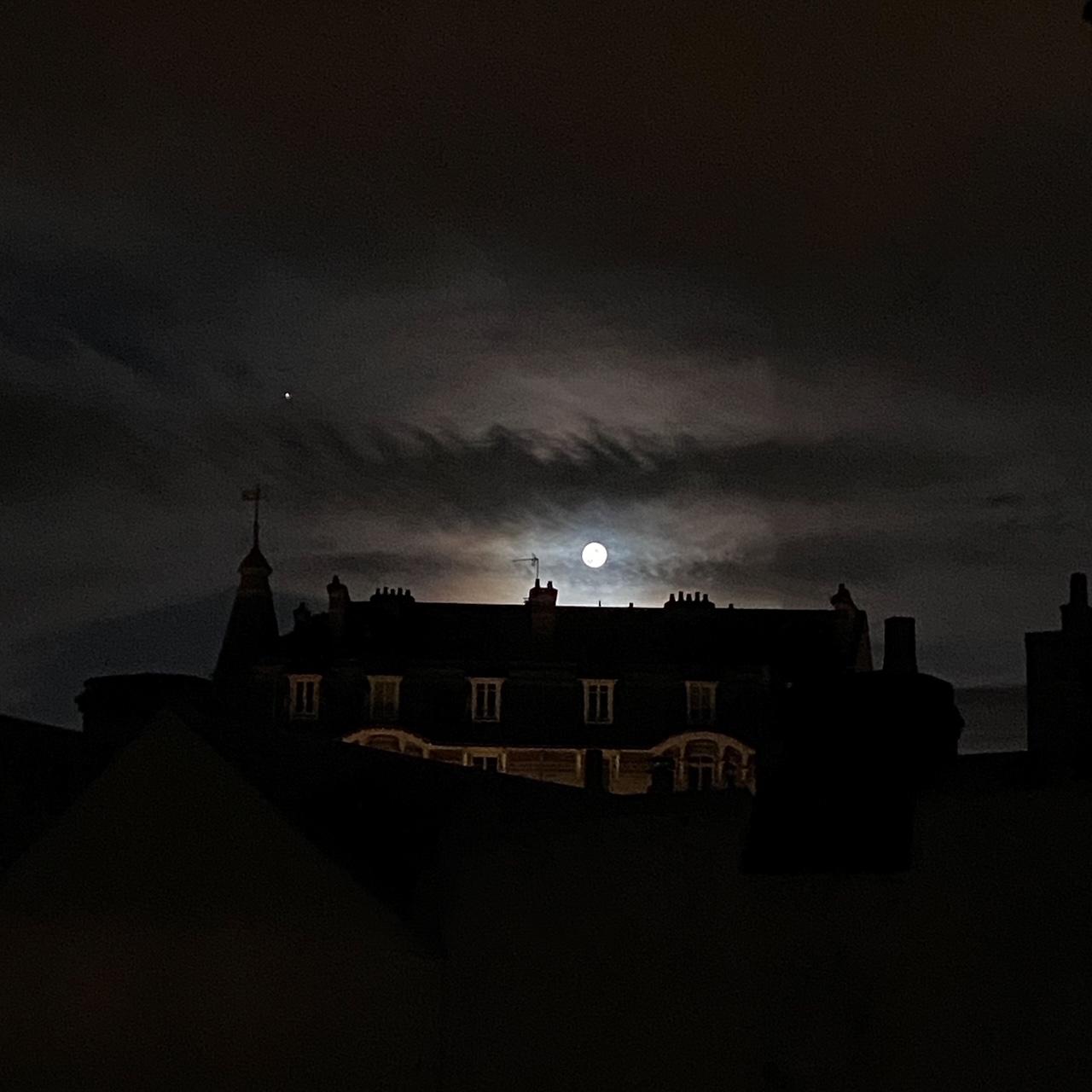 Vénus et la Pleine Lune